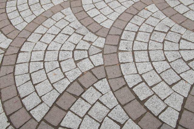 ピンコロ石の石畳